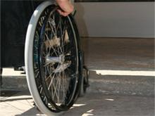 Disabili e barriere in città